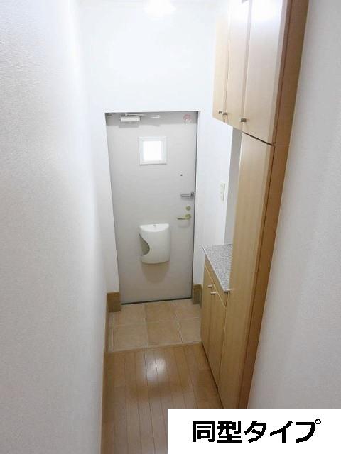 カーサ・プラシードA 201号室の玄関