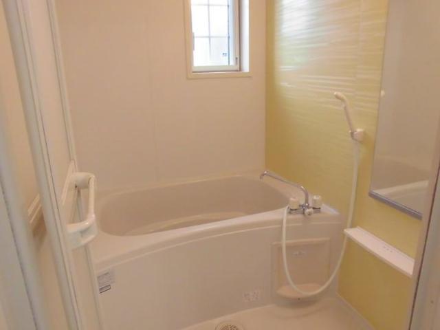 エル クレジェンドⅢ 01010号室の風呂
