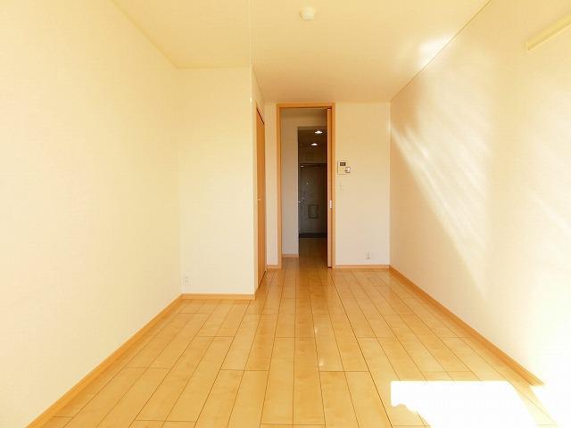 ブッシュクロ-バ-Ⅱ 03040号室の居室