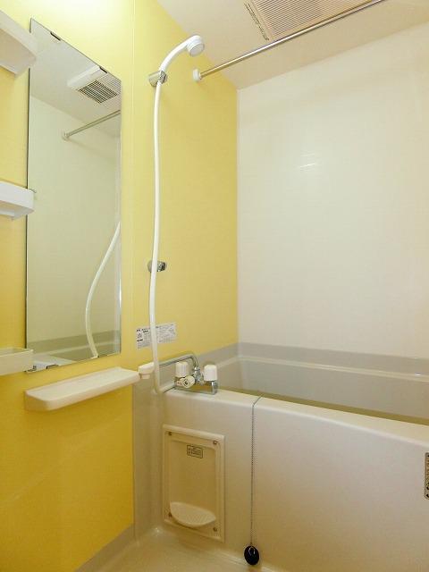 ブッシュクロ-バ-Ⅱ 03040号室の風呂