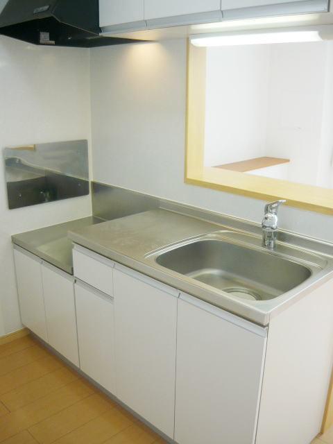 ヴィラプリムローズD 02010号室のキッチン