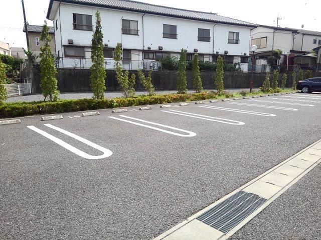 グラン・ブリエ 弐 01010号室の駐車場