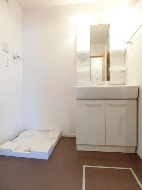 リュミエ-ルB 02010号室の洗面所