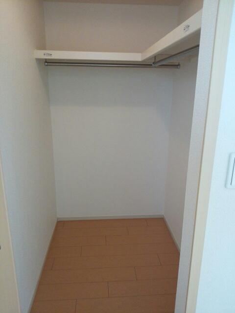 メゾン カワセミ 02010号室の収納