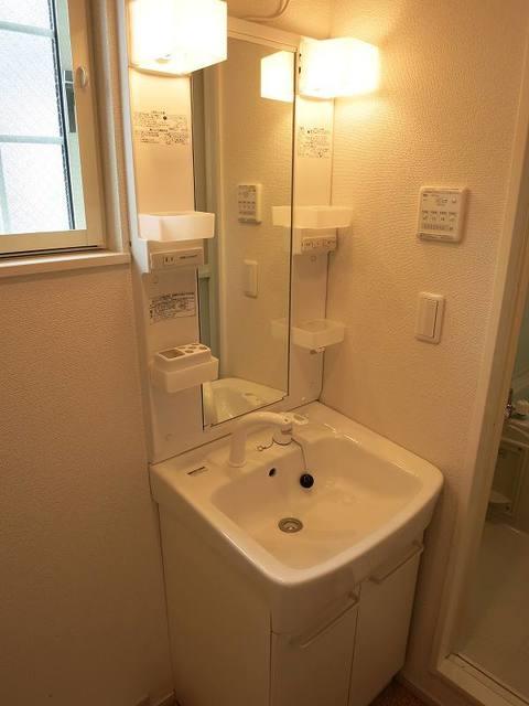 デスパシオ聖蹟桜ヶ丘 104号室の洗面所