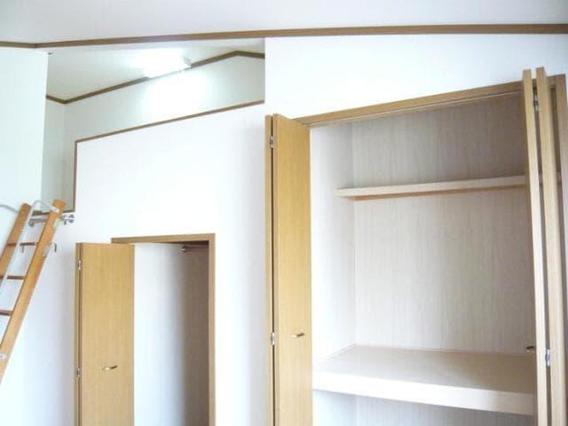 ラッフィナートA 01010号室の収納
