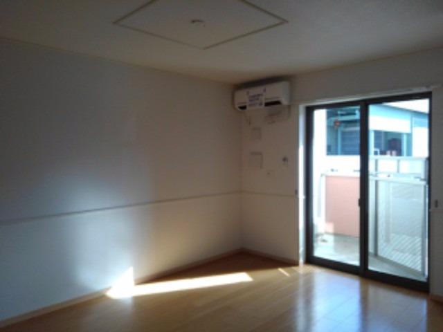 サニーコート 01020号室のリビング