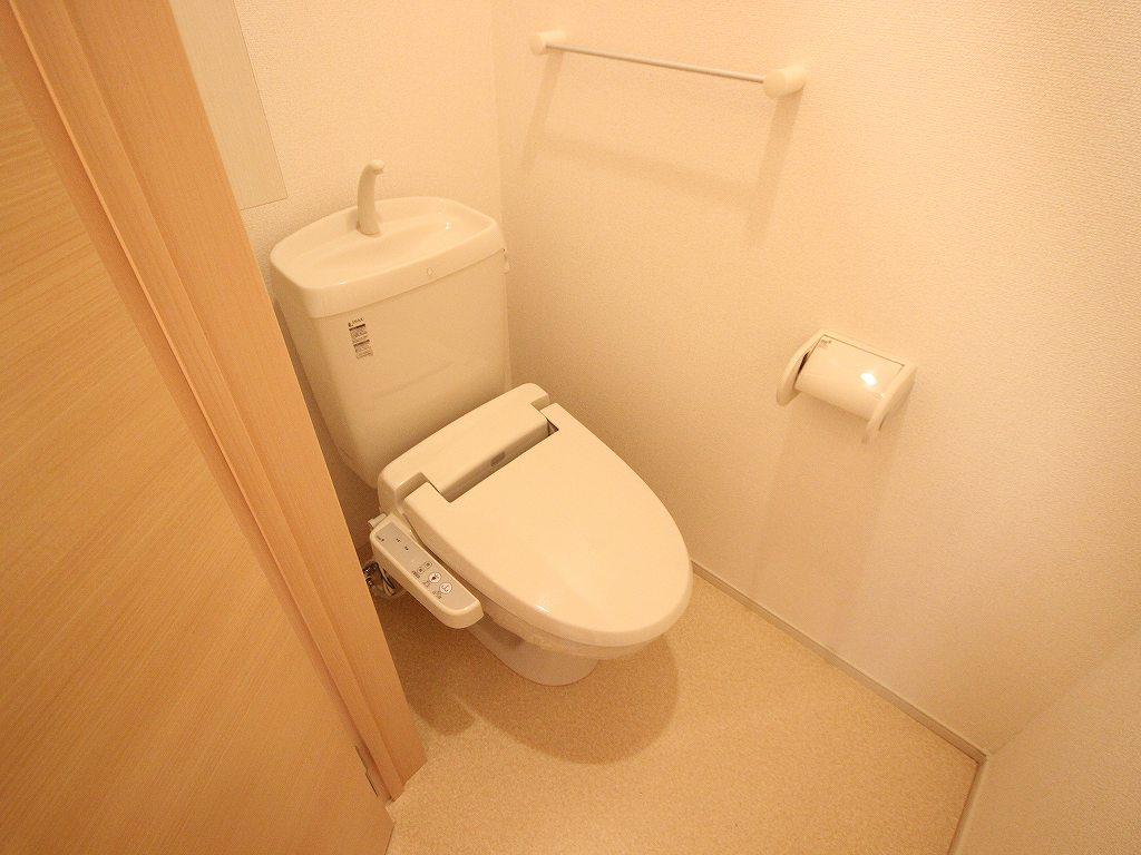 ties tenpoint 102号室のトイレ