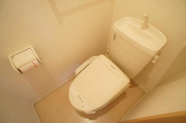 ブレッザⅡ 01010号室のトイレ
