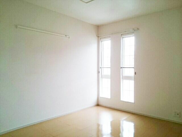 プレジールⅡ 201号室の玄関