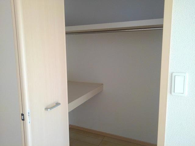 クレメント B 01060号室の収納