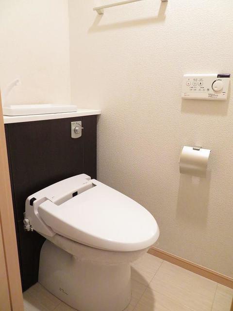 エテルノ 403号室のトイレ
