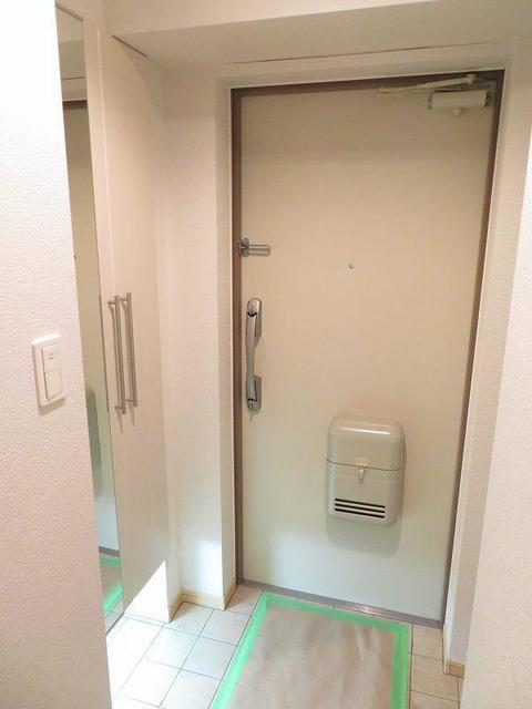 エテルノ 403号室の玄関