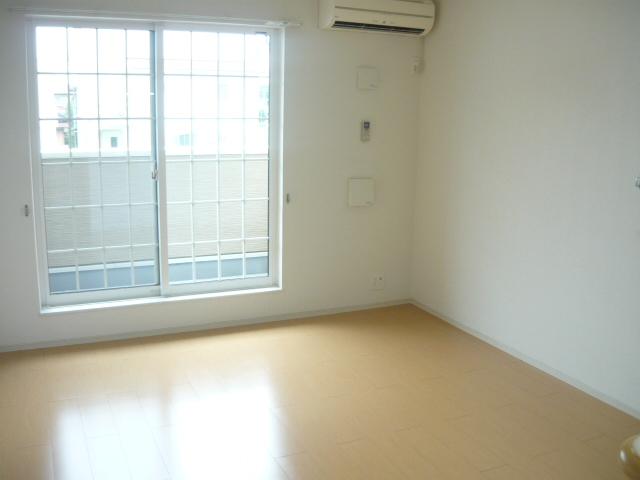 カーサ・セレノD 02010号室のリビング