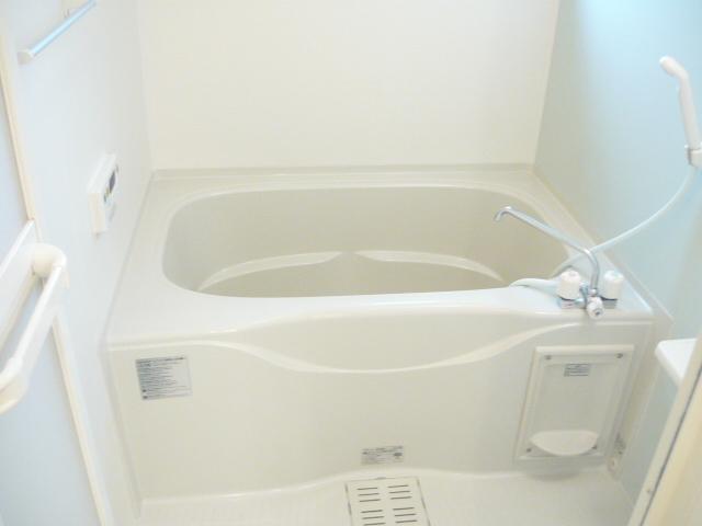 カーサ・セレノD 02010号室の風呂