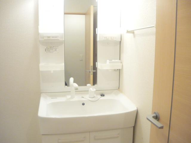 カーサ・セレノD 02010号室の洗面所