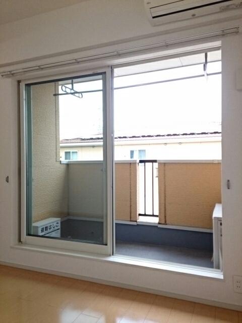 ミルレーヴⅢ 203号室のバルコニー