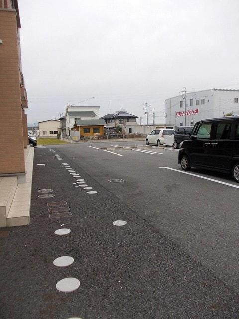 アルドーレ 201号室の駐車場