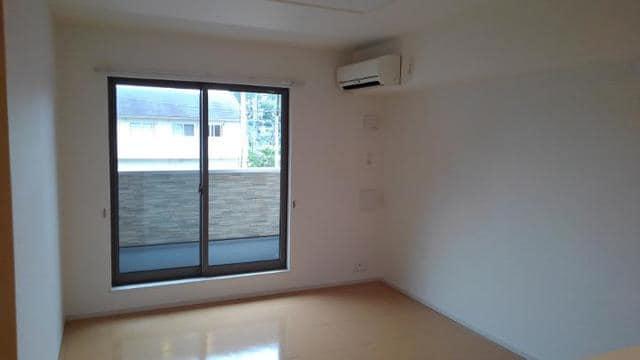 LOVELY 02020号室のリビング