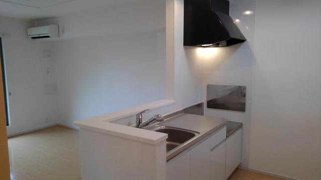 LOVELY 02020号室のキッチン