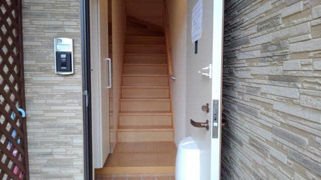 LOVELY 02020号室の玄関