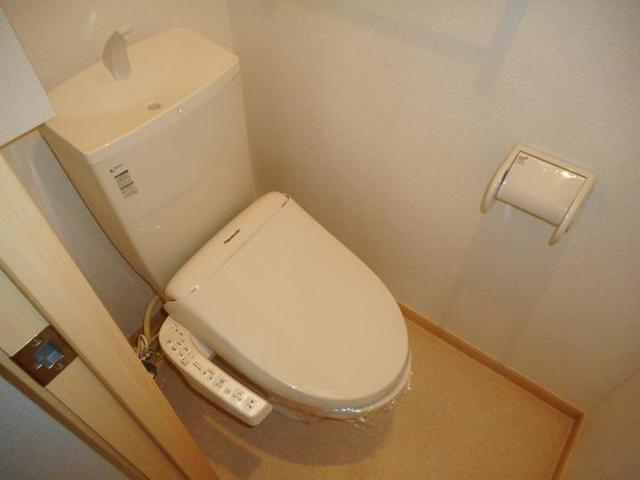 カフリーィエE 01030号室のトイレ