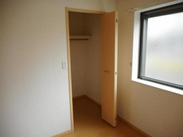 カフリーィエE 01030号室の収納