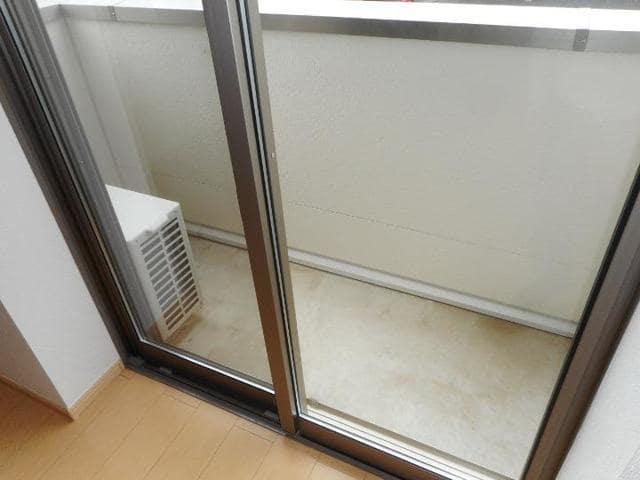 カフリーィエE 01030号室のバルコニー