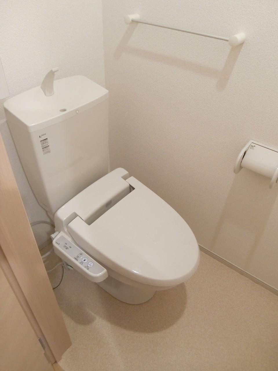 コーポ勢多Ⅵ番館 210号室のトイレ