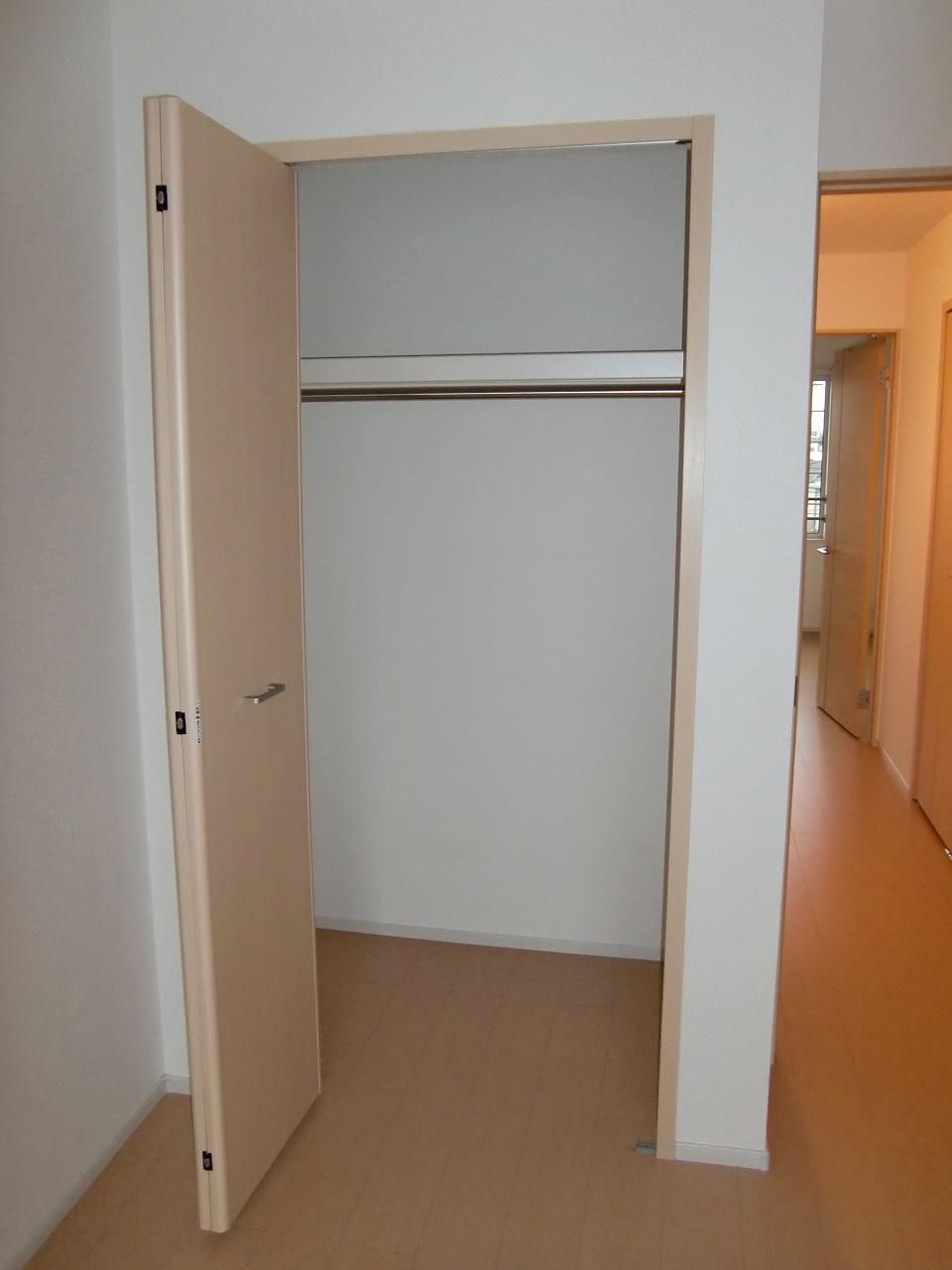 コーポ勢多Ⅵ番館 210号室の収納