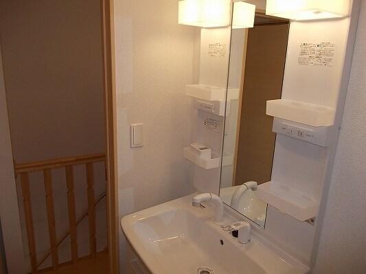 サンエステート 02040号室の洗面所