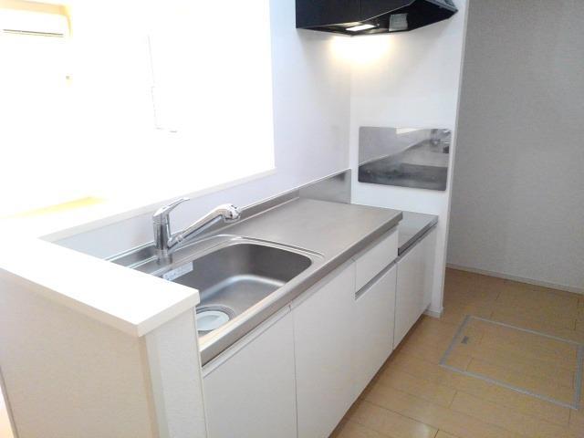 ベル・オーシャン S棟 102号室のキッチン