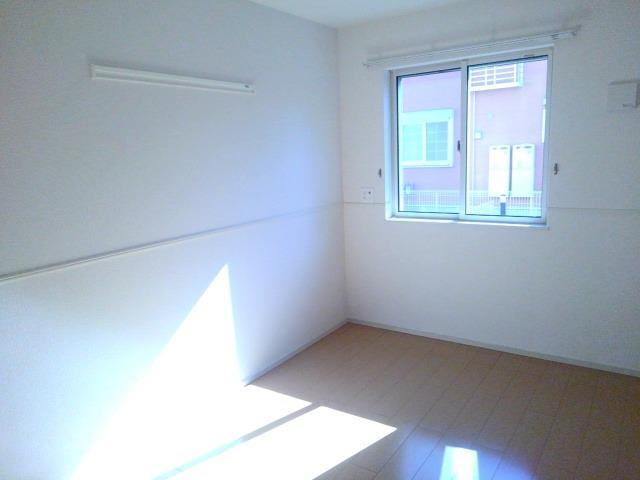 ベル・オーシャン S棟 102号室の居室