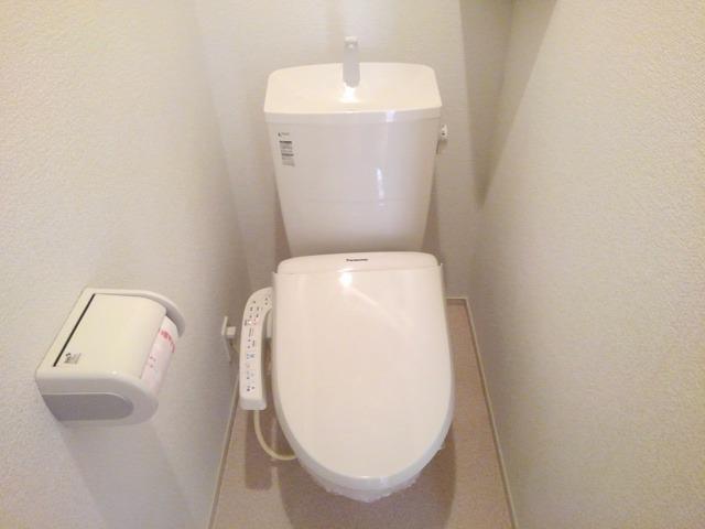 ベル・オーシャン S棟 102号室のトイレ