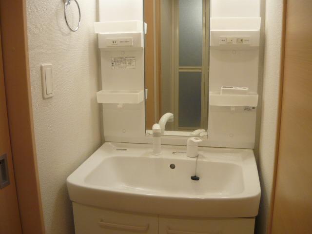 KALION A 103号室の洗面所