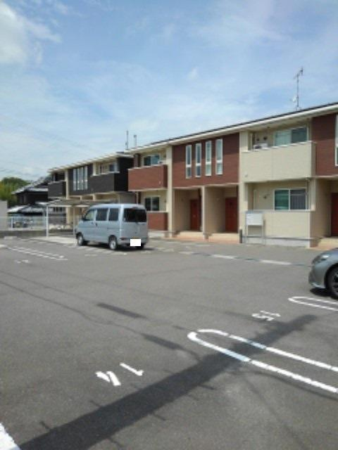 サンリットMⅡ 02010号室の駐車場