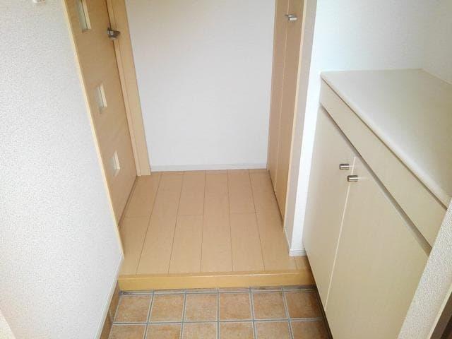ゴールド・サン 01010号室の玄関