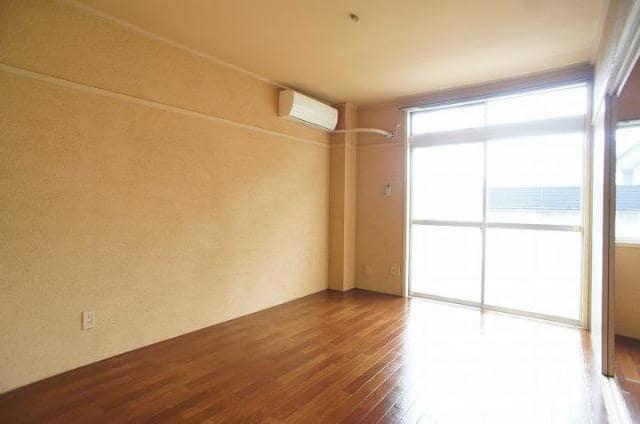 ドリームハイツ 01010号室の居室