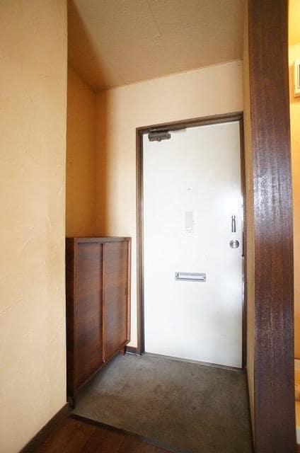 ドリームハイツ 01010号室の玄関
