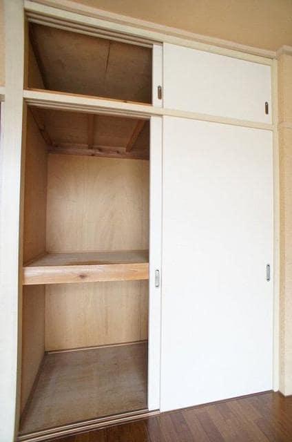 ドリームハイツ 01010号室の収納