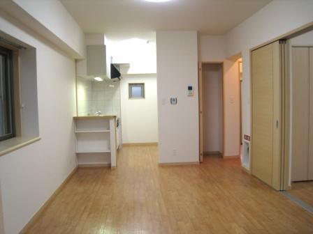クラールハウスC 202号室のリビング