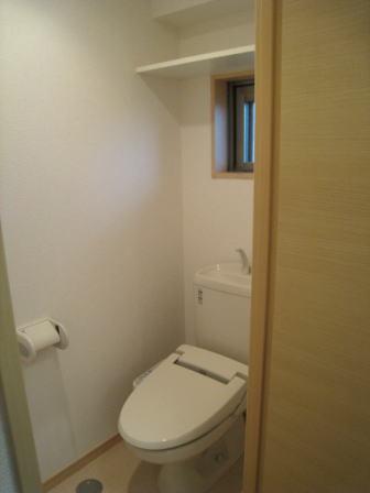 クラールハウスC 202号室のトイレ