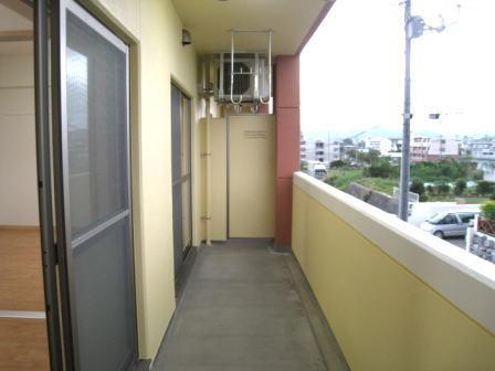 クラールハウスC 202号室のバルコニー