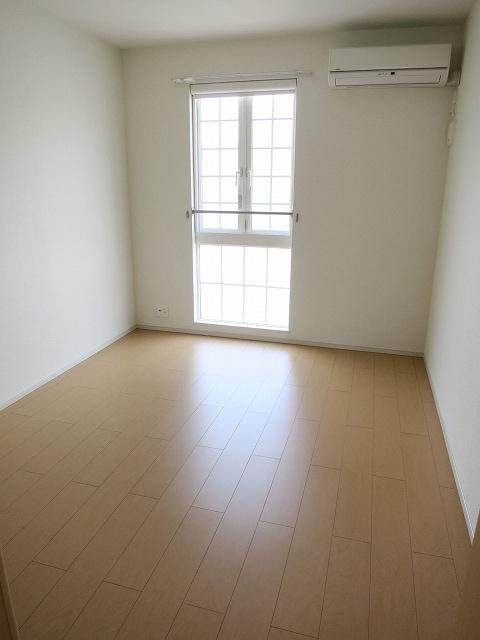 プリムラⅡ 201号室のベッドルーム