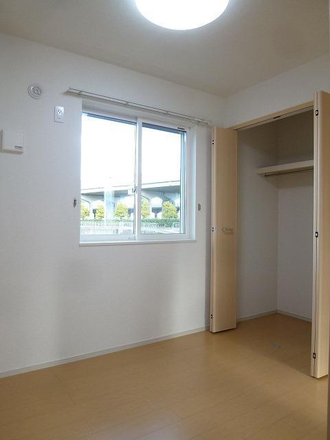 ラフィーネ坂本 103号室の収納