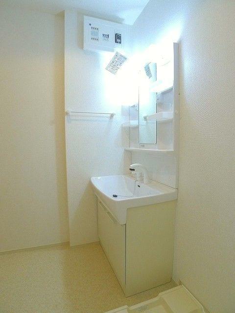 プレッソB 01020号室の洗面所
