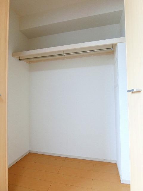 ドマーニ A 03030号室の玄関