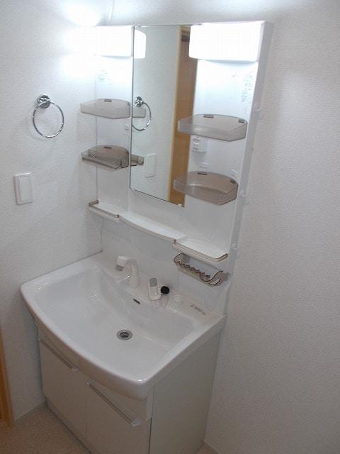 サン・フィオーレ 02030号室の洗面所