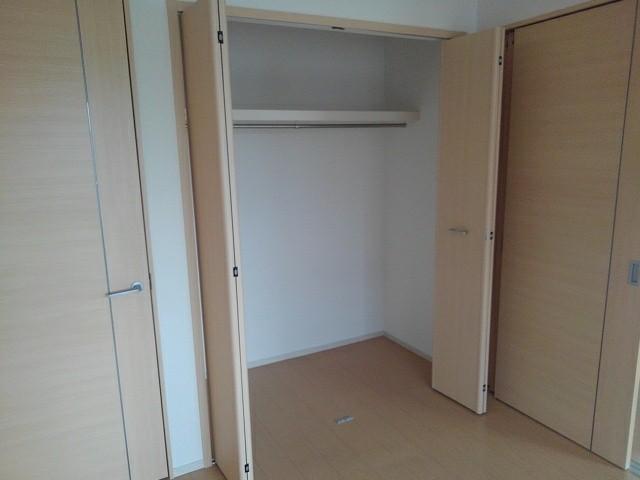ルミエール下鴨 203号室の収納