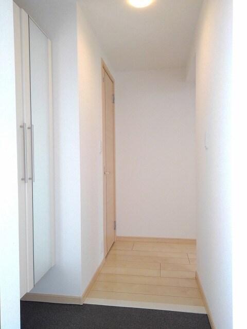 ヴィオラ プリート 03010号室の玄関